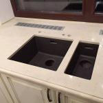 Подоконник на кухню из кварцита Caesarstone 5220