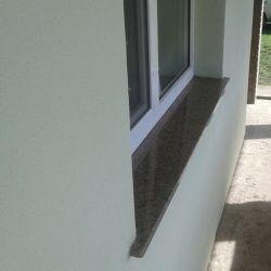 Фото отлива на окне из Межеричского гранита