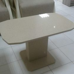 Стол из искусственного камня - кварцита Silestone Blanco Capri
