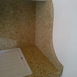 Столешница, пристенная панель и фигурный фартук из Caesarstone_6350