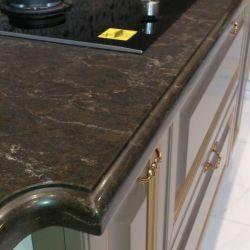 Столешница из искусственного камня - кварцита Caesarstone 6338, который очень похож на натуральный мрамор