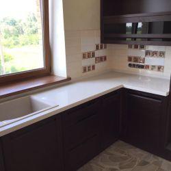 Кухонная столешница из украинского кварцита Atem White 006