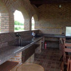 Фото столешницы из натурального гранита для летней кухни