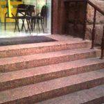 Лестница из сплошного гранита Изделия из натурального и искуственного камня |Внешняя лестница