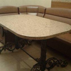 Столешница из кварцевого камня Caesarstone 6350 для стола с коваными ногами