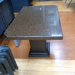 Журнальный столик из кварцита