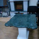 Столик из мрамора Verde Quatemala