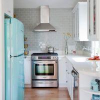 Модный цвет ISLAND PARADISE в оформлении стильной и современной кухни. Кухонная столешница из кварцита чистого белого цвета Hanstone BA205
