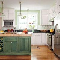 Цвет KALE в оформлении красивой и стильной кухни 2017 года. Кухонная столешница с высоким плинтусом из черного кварцита. Островная столешница из кварцита Hanstone RU602