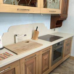 Кухонная столешница с фигурным фартуком из кварцевого камня Vicostone BQ8430 Boticcino