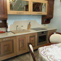 Кухонная столешница с фигурным фартуком из кварцита Vicostone BQ8430 Boticcino