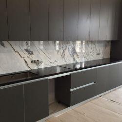 Столешница на кухню из черного кварцевого камня Caesarstone 5100 Vanilla Noir