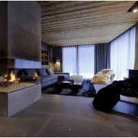 Для облицовки камина для такого интерьера в стиле Лофт можно применить натуральный мрамор или искусственный камень - кварцит с имитацией натурального мрамора или под бетон.