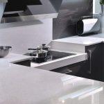 Кухонные столешницы из белого искусственного камня (кварцита)
