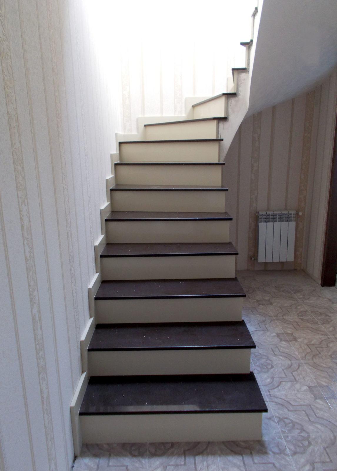 Лестница из кварцевого камня| Изделия из натурального и искуственного камня |Внутренняя лестница